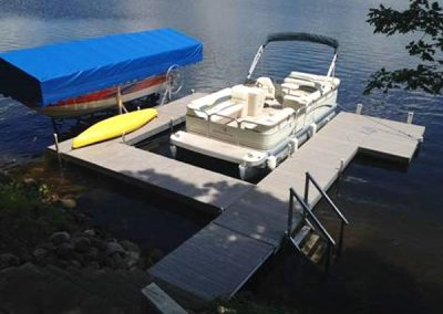 Dock-Section-with-Boat-&--Pontoon-Lift